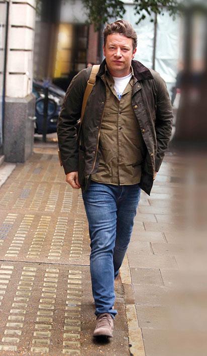 Jamie-Oliver-Living-Magazine-6